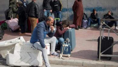 Photo of المغاربة العالقون بالخارج يتهمون الحكومة بالغموض في حل ملفهم