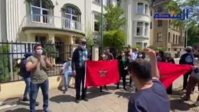 Photo of تشرد و معاناة .. مغاربة ألمانيا يحتجون على حرمانهم من حق العودة للوطن