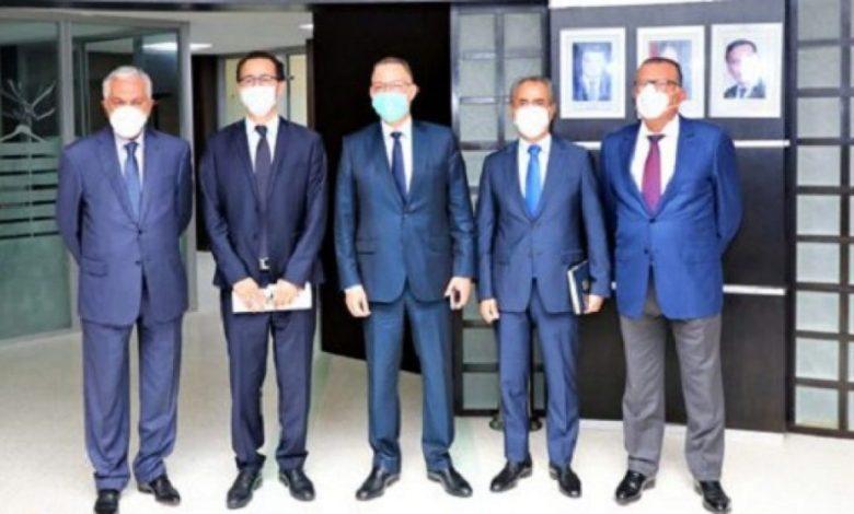 Photo of فريق برلماني يشك في شفافية ومصدر 215 مليون درهم الذي أعلنت عنه وزارة الثقافة لدعم قطاع الصحافة