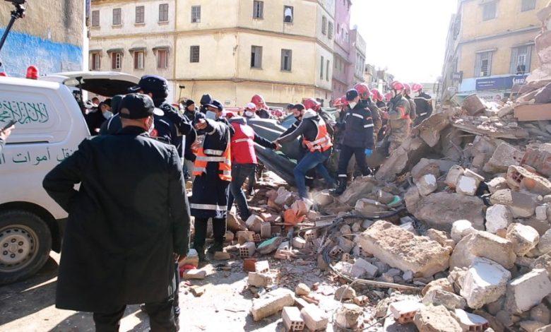 انهيار بيت درب مولاي الشريف..7 ساعات لاخراج جثة من تحت الأرض(فيديو)
