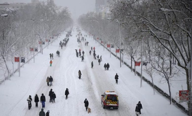 "Photo of عاصفة ""فيلومينا"" تشل الطرقات وتغلق المطارات في إسبانيا"