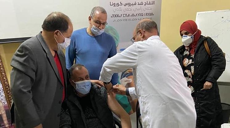 وزارة الصحة توسّع عملية التلقيح وتمشل المواطنين فوق الـ 50 سنة