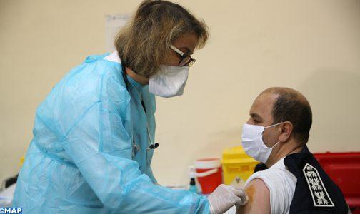 وزارة الصحة توسع عملية التلقيح لما بين 60 و64 سنة