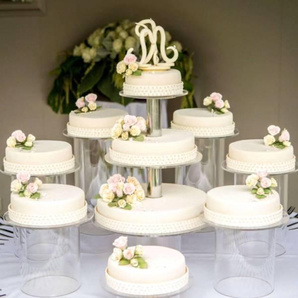 Свадебные торты (67 фото)