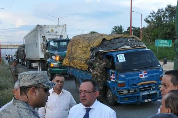 Convoy 500 vehículos dominicanos llegó Haití ayer con diversas ayudas