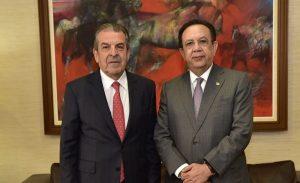 Valdez Albizu recibe visita expresidente chileno Eduardo Frei