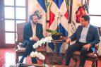 Presidente electo El Salvador visita al alcalde David Collado
