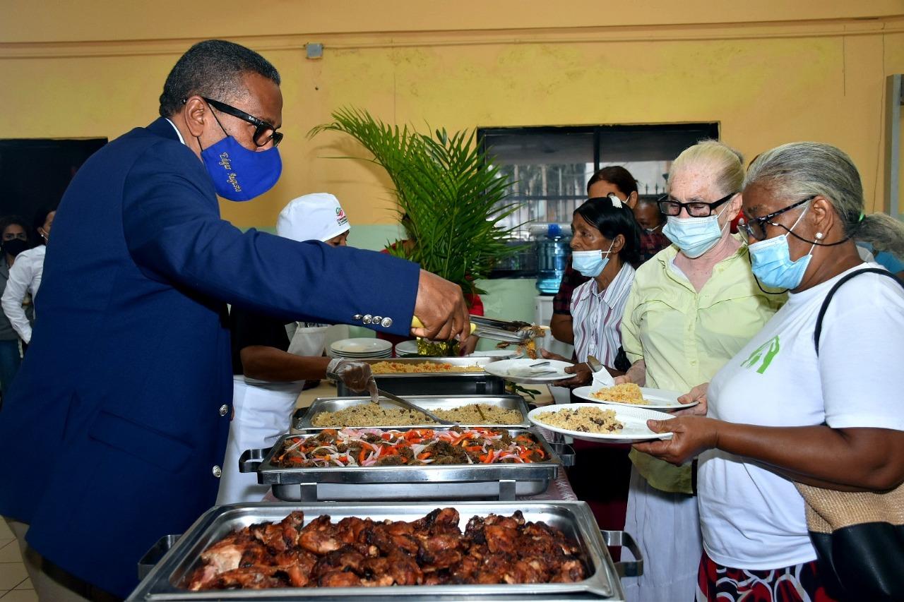 Comedores Económicos asistirá a los envejecientes del Gran Santo Domingo