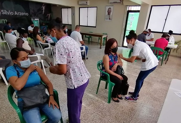 Gobierno anuncia plan masivo de vacunación este fin de semana
