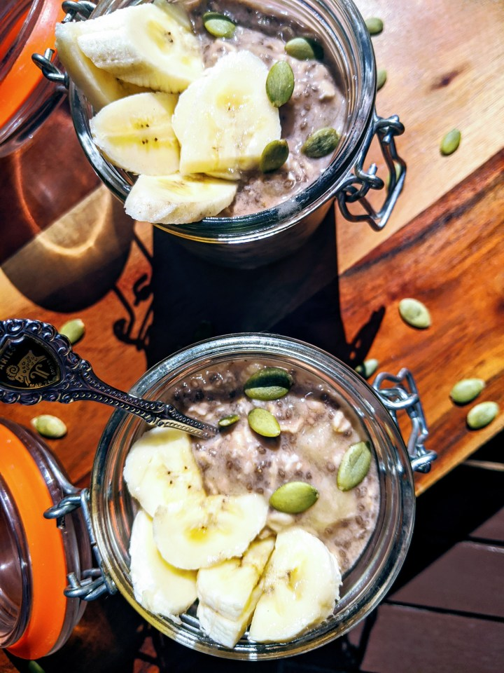 Vegan Chocolate-banana Overnight Oats