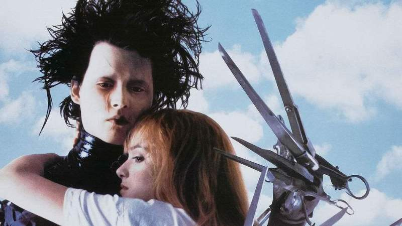 Edward Scissorhands is a Christmas movie made for the Scrooges and Grinches of the world! | almostginger.com