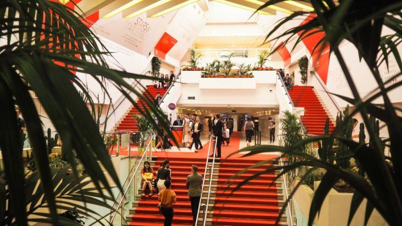 Attending Cannes Film Festival 2017: Invitations, Sunburn, Pedro, oh my! | almostginger.com