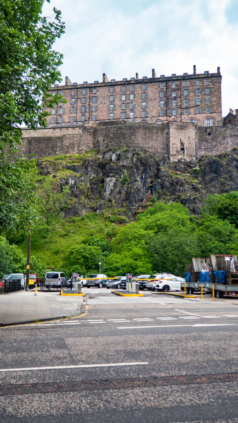 Edinburgh Castle which is a Trainspotting film location