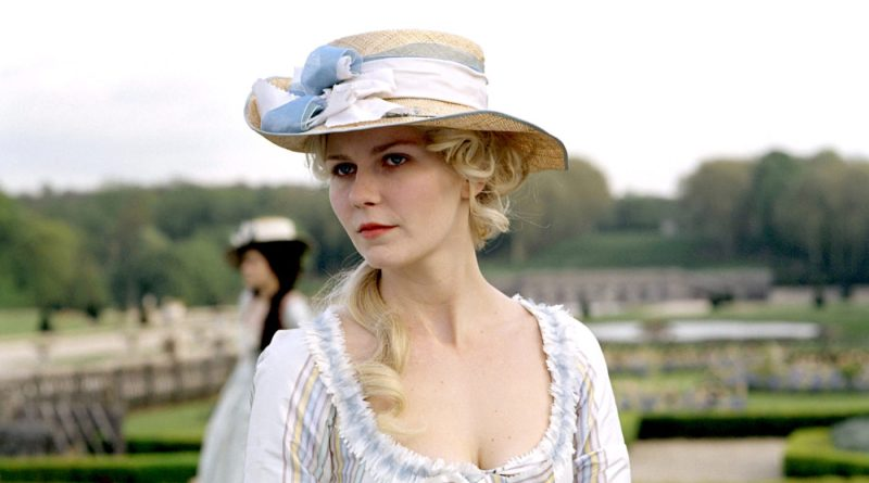 Marie Antoinette Film Locations in France including the Palace of Versailles and Paris among other locations as the filming location for Marie Antoinette (2006) | France Film Locations | Paris Film Locations | almostginger.com