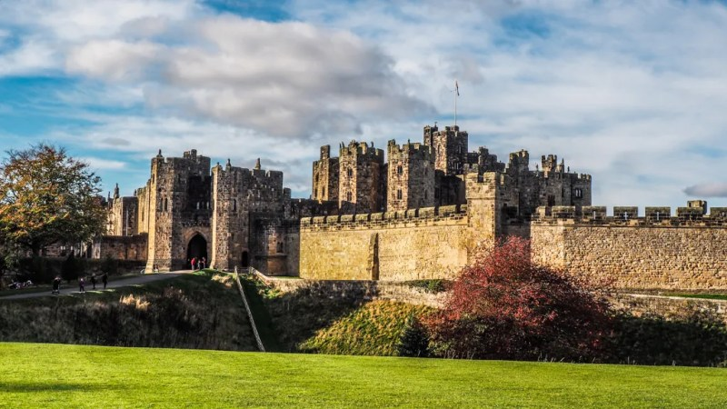 Harry Potter Film Locations at Alnwick Castle, Northumberland | Harry Potter Filming Locations | Harry Potter and the Philosopher's Stone filming locations | Harry Potter and the Chamber of Secrets filming locations | almostginger.com