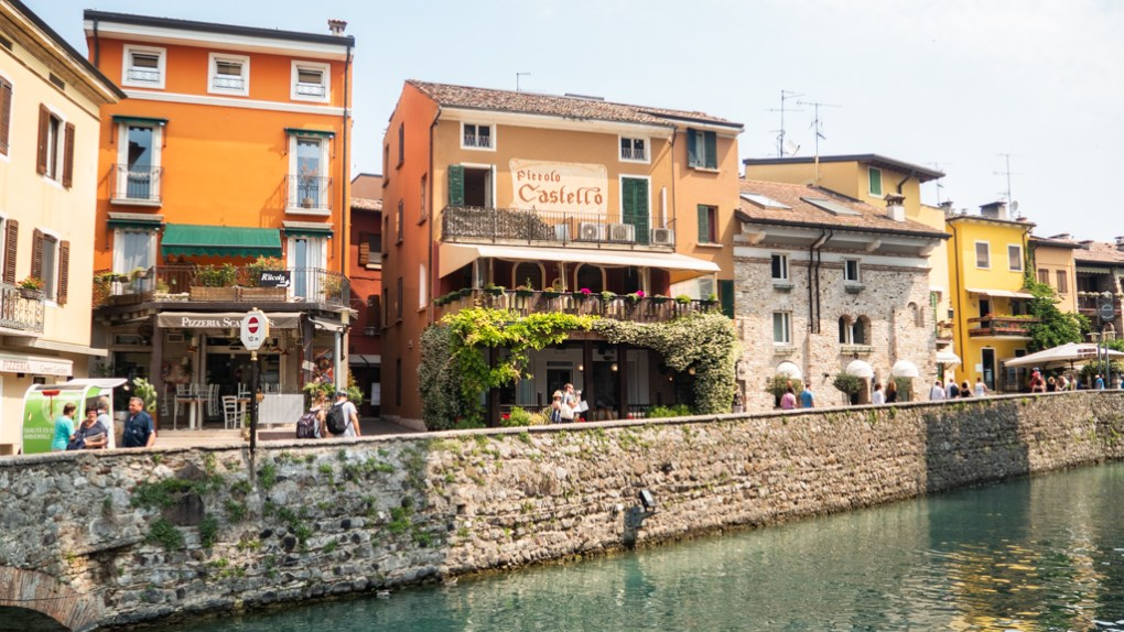 Restaurants in Sirmione on Lake Garda, Italy you can visit on a Sirmione day trip