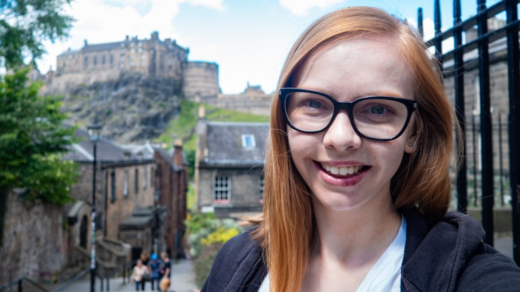 Almost Ginger blog owner in the Vennel in front of Edinburgh Castle