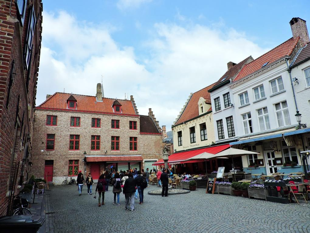 Huidenvettersplein in Bruges, Belgium