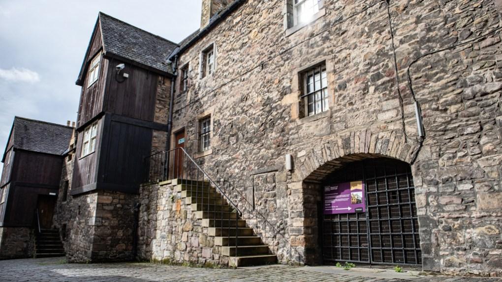 Bakehouse Close in Edinburgh, Scotland Edinburgh Outlander Location