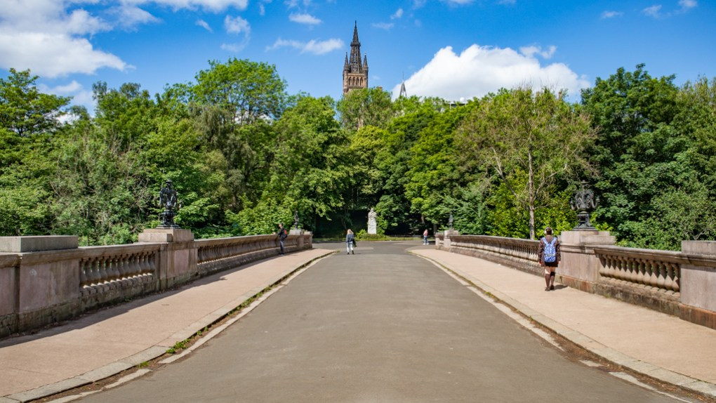 Prince of Wales Bridge in Kelvingrove Park, Glasgow in Scotland Glasgow Outlander Location
