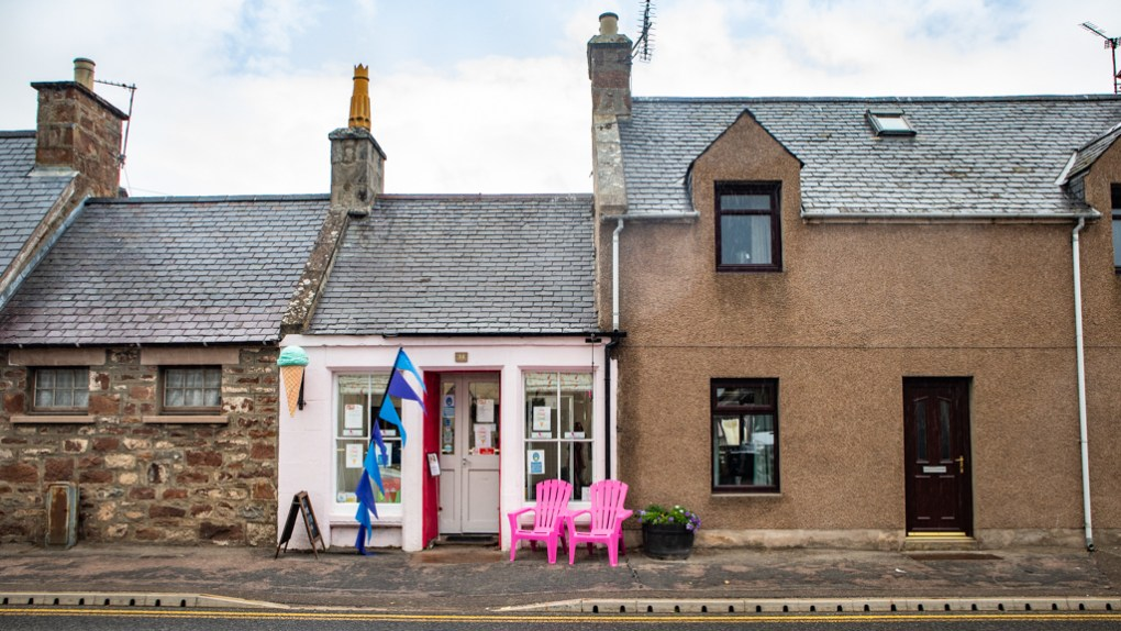 The Wee Pink Ice Cream Shop in Golspie on the North Coast 500 in Scotland