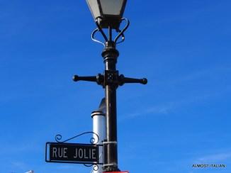 Rue Jolie