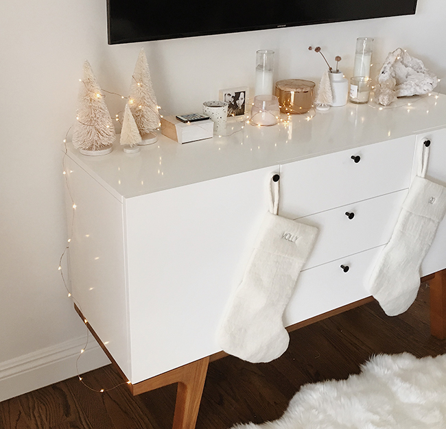modern christmas mantle | almost makes perfect