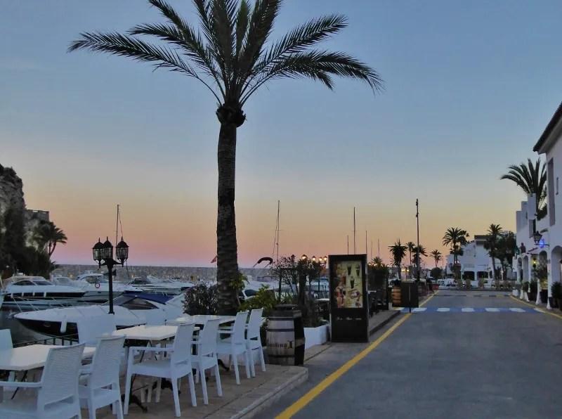 Marina del Este Almunecar La Herradura with restaurants, services and facilities.