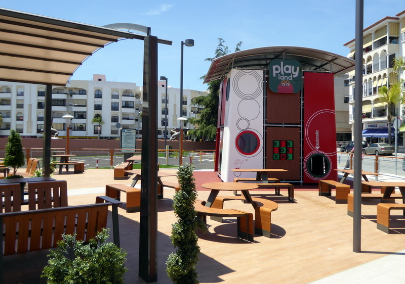 McDonald's playground - Almuñécar with kids