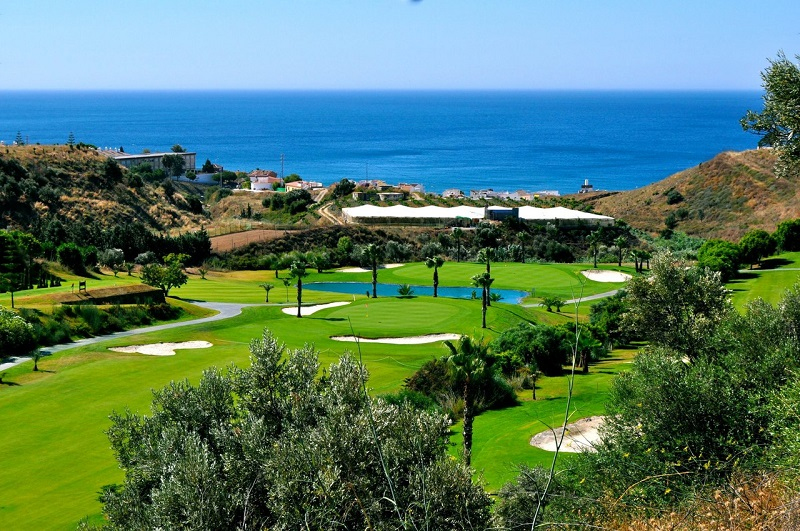 Baviera Golf Club. Baviera Golf, located on the spurs of Sierra de la Almijara (east of Málaga), lies on valley boasting an ideal microclimate for the practice of golf. The Golf Club is just 500 meters away from Caleta de Vélez, with its Marina and magnificient beaches, which together with Nerja and Torre del Mar, are among the best on the Costa del Sol.  This is just a 40 minute drive to the west from Almuñécar.  photo from Golf in Spain.