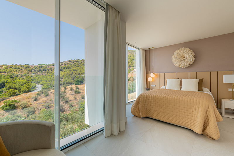 There is no shortage of luxury properties in Spain, but often you can feel lost in the hustle and bustle of the big city areas.  Why not live a relaxed life and the village atmosphere of La Herradura Spain?  It doesn't matter if this is your full-time home or if it is best as your holiday home, Costa Tropical is a hidden gem.