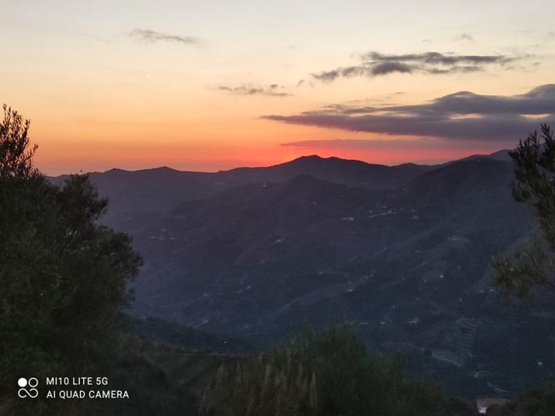 Itrabo sunset -Rachel Adams photo. Read more on Almunecarinfo.com