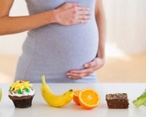 أطعمة يجب على الحامل تناولها في الأشهر الثلاثة الأولى