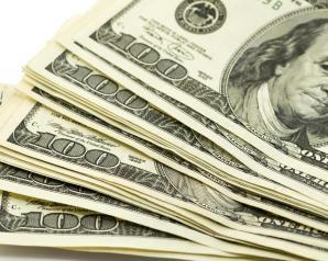 الدولار يتراجع عالميا.. وأسواق الأسهم تسعى لتثبيت أقدامها
