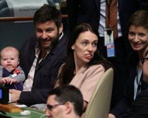 رئيسة وزراء نيوزلندا تصطحب رضيعتها إلى الأمم المتحدة