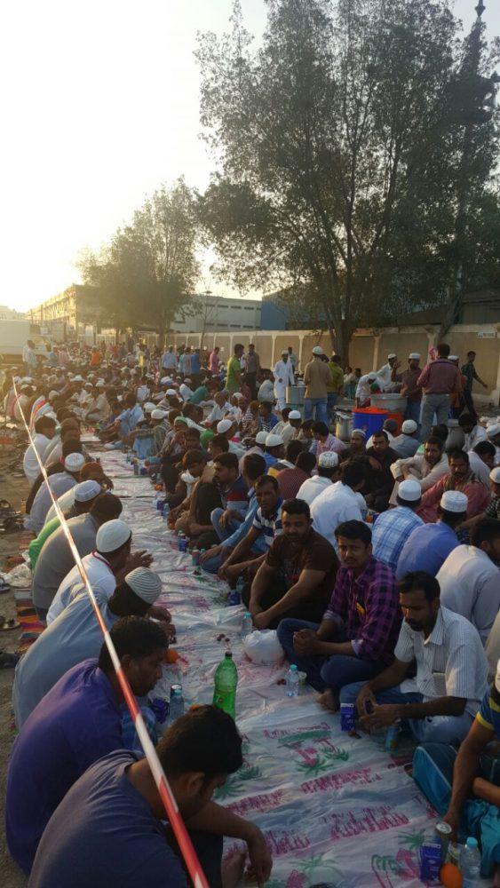 مشروع افطار الصائم أمام سكن عمال شركة ETA في القوز الصناعية دبي