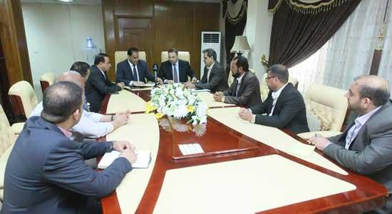 محافظ بغداد: يدعو لضرورة إيجاد حلول فورية لرواتب العقود وتثبيت مستحقات الشركات