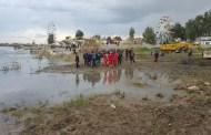 بالصور..  عملية انتشال العبارة من قبل الدفاع المدني في نينوى