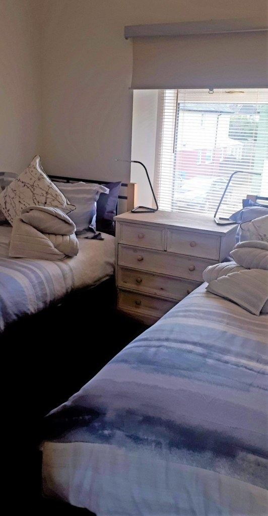 Bed frame - Bed sheet