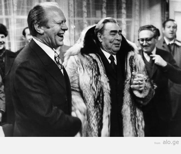 8-Brezhnev-Ford-whoiswearingtheAmer