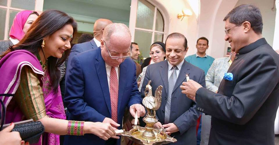 """في افتتاح معرض """" ألوان الهند""""..النمنم يوصى بدعم الفن الهادف ويؤكد عمق العلاقات"""
