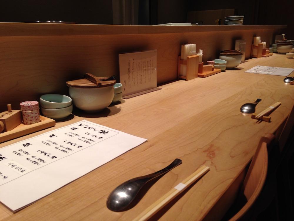 神楽坂ランチ(日本橋海鮮丼 つじ半)カウンター