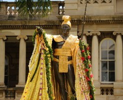 ハワイのカメハメハ大王像