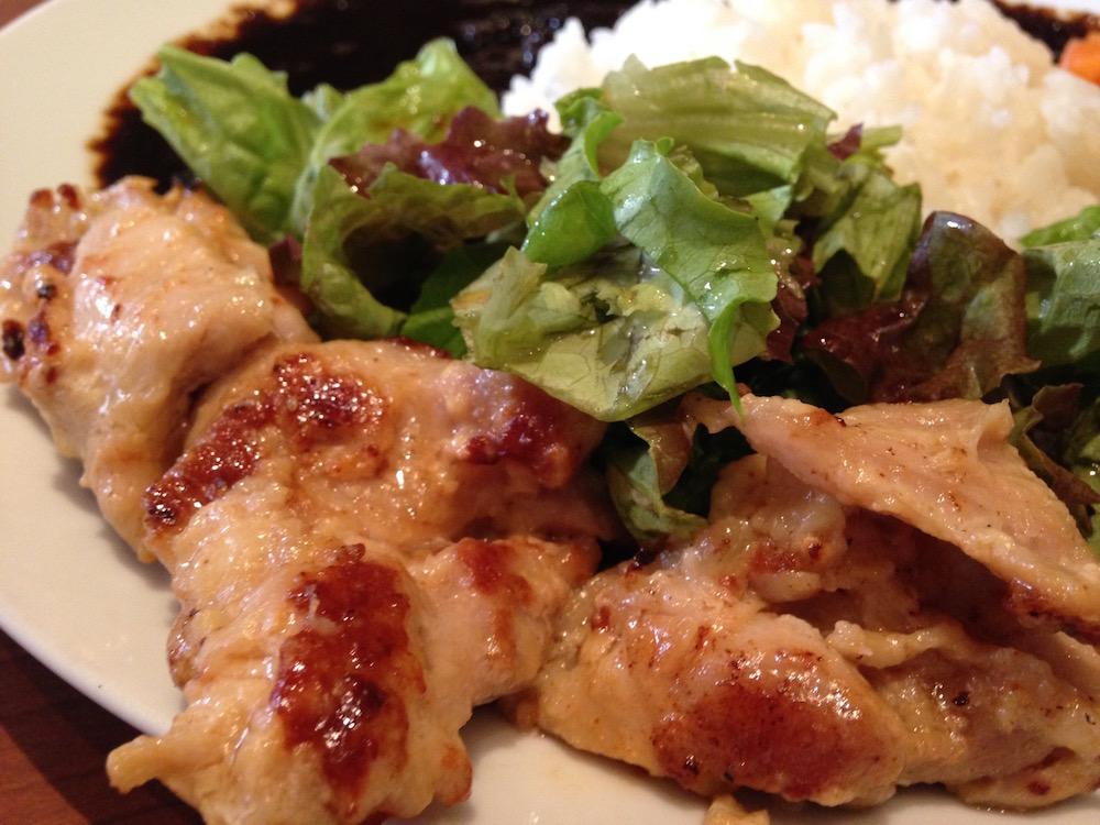 表参道ランチ(カフェ バニヤン・ランチの鶏肉)