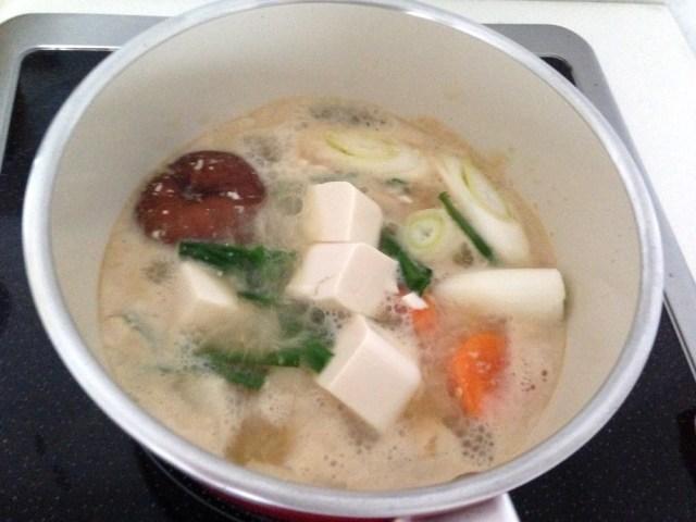 簡単料理レシピ(鮭の白子鍋・野菜も入れた鍋)