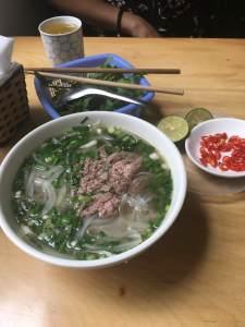 フォーで疲れを癒しました。ベトナムはどこも料理が最高に美味しいです。