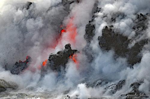 溶岩壁、崩落の瞬間