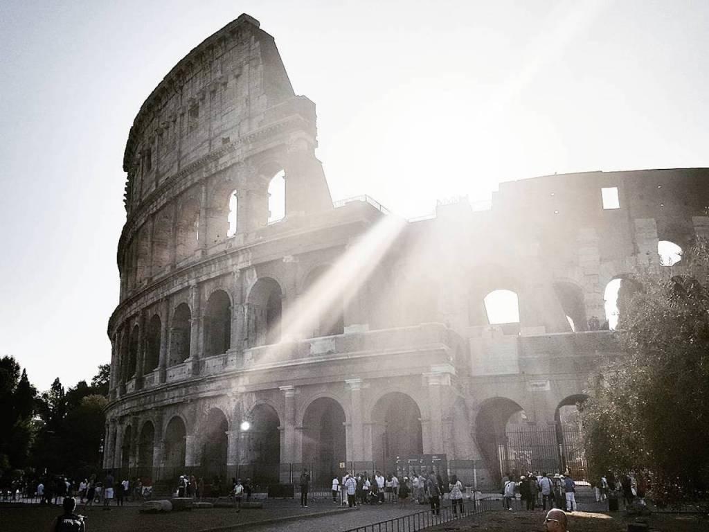 sunrise colosseo rome italy