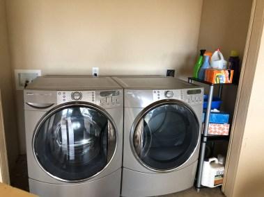 2765-Iolani_Laundry