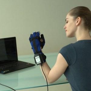 Anika rehab Glove_4